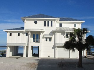 NEW 4bedroom/3.5bath Home on Santa Rosa Sound - The White House