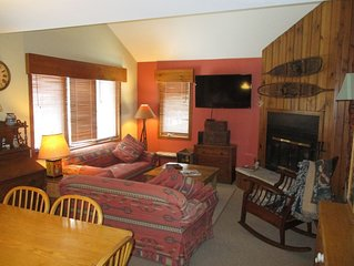 Beautiful townhome in Galena Territories Sleeps 9, 4 BR, close to Owners Club.