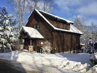 NEW LISTING ~ Beautiful Slope Side Mountain Cabin! 4BR, 3 Baths - Sleeps 12