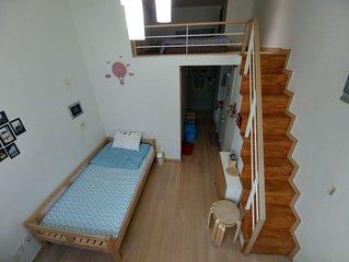 Near Sinchon, Hongik Univ, Ewha Univ, GyeongBokGung, Jongro, Jay's tidy house #1