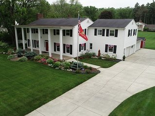 SEPARATE Guest Suite in Stately Home - Minutes to Cedar Point