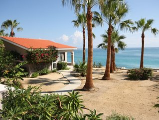 Casita Tortuga is a Beach Front over looking the Sea of Cortes.