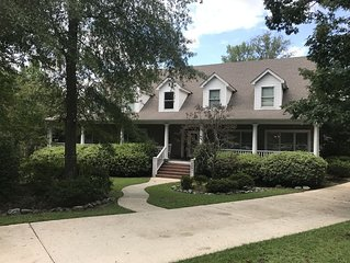 Perfect Game Day rental! Huge home, less then 2 miles from Jordan Hare Stadium