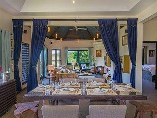 Luxury Villa sleeps 6, Beach Access, Montego Bay
