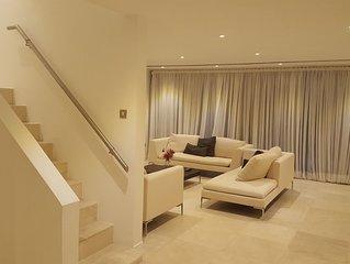 Contemporary Luxury Waterside Condominiums