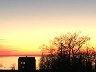 2 Story Lake House On Bluff Overlooking Gorgeous Lake Michigan! Beautiful Views!