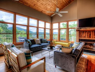 MonTreat Yourself! Luxurious mountain Escape, Hot tub-Game Rm-Relaxing, Ashevill