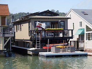 Cozy & Cute Sausalito Boathouse