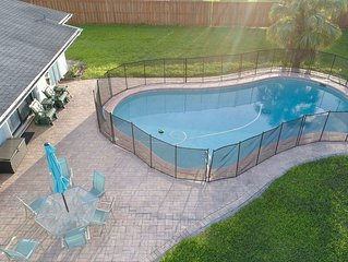 Pool Home - Minutes away from Florida Keys at much lower rate!