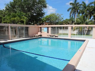 Lauderdale-by-the-Sea Condo w/Heated Pool and Steps to Beach *Min 90 Day Rental*