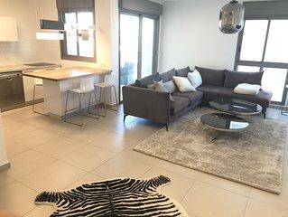 Tel Aviv Modern & Spacious  3 BR Luxury Apt in a good aria close to the lake