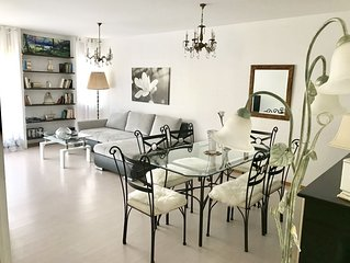 Elegant and very spacious apartment to welcome groups and families