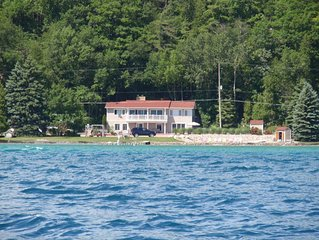PRIVATE BEACH and LAKE Frontage on Crystal Lake - Crystal Lake Getaway