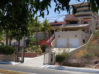 Casa Serena Azul - Views Views Views, Walk To Beaches And Downtown