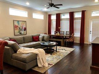 Luxury 2 Story Home 3 BR, 3 BA w Garage & Backyard