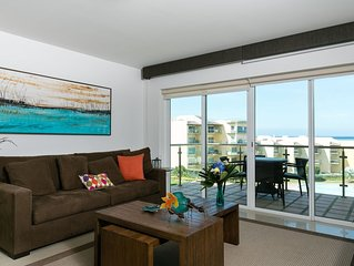 Modern, Stylish And Great Views Apt. In Oceania, Eagle Beach. Families Welcomed!