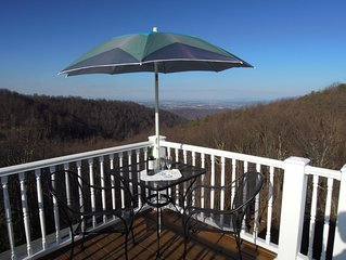 Mountain Top Home in Afton, walk to Blue Ridge Parkway,  25 min to Cville & UVA.