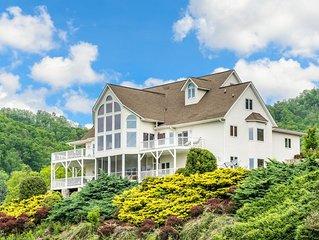 TurnKey - King Lodge 8BR/7.5BA 10-Acre Manor w/ Blue Ridge Views & Hot Tub