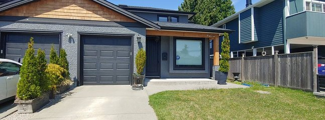 Quiet family friendly duplex in Highgate, Burnaby.  New furniture throughout