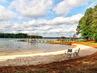 Charming Original Lake Norman Cabin in Great Location