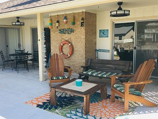 Comfortable home in Palm Harbor with a brand-new Underwater Green Light!