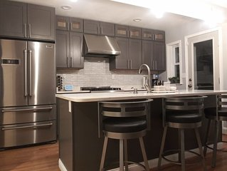 Newly renovated 2019 Ten Minutes from National Park  4 bdrm 3 level rowhouse