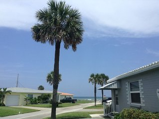 Ocean view cottage in beautiful Ormond by the Sea and we are pet friendly!