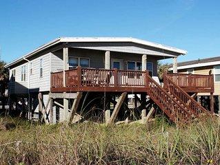 The Last Chance: 3 BR / 2 BA home in Oak Island, Sleeps 6