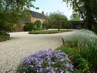 Delightful homelike Cotswold Cottage.Tranquil hidden village setting. Sleeps 4