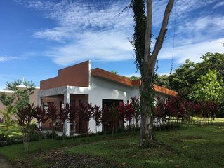 Amazing private Bungalow close to Manuel Antonio Beach & Park & Downtown Quepos