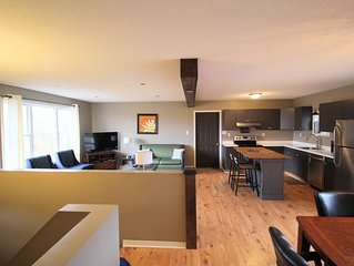 Free WIFI NO ADDITIONAL CLEANING FEES, AC, Outdoor Bonfire and Large Deck In PEC