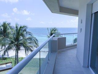 Luxurios beachfron apartment 302