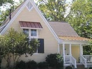 One Bedroom Cottage * King's Creek Plantation