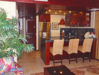 Hawaiian Princess - Remodeled beachfront with spectacular view