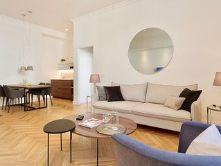 Luxury 1 Bedroom Apartment -Town hall sq