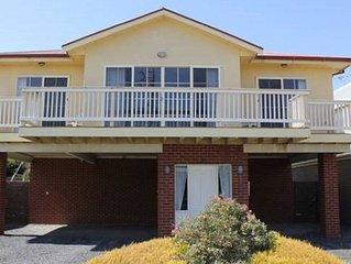 Beach House Phillip Island - Wifi, Netflix, PS3..