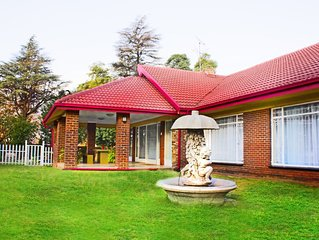 Madison House - A spacious 4 bedroom house with pool and braai area.