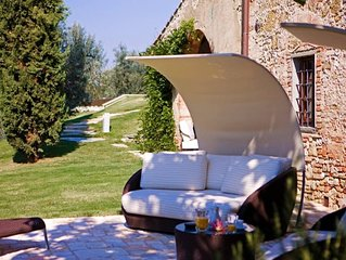 4BR Tuscany's sun-basked countryside