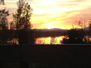 South Twin  Lakefront Cottage w/ Spectacular Sunset View of Jo Mary Mountain Ra
