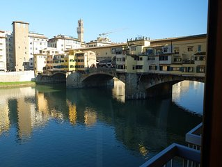Modern apartment in stunning location, riverfront, overlooking Ponte Vecchio