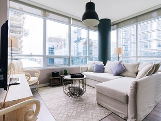 Stunning 2 BR Luxury Suite w/ Panoramic City View