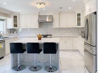BRAND NEW HOUSE 4BE/2BA near BEACH, DISNEY for 12!