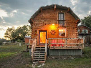 Incredible Pagosa: Cabin w/ Private Hot Tub, Sleeps 6, Historic Downtown