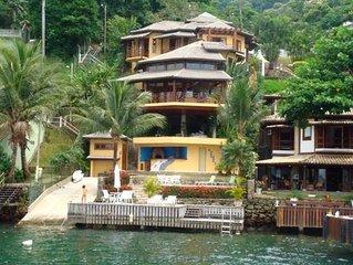 Linda Casa na Vila Velha dentro da Água