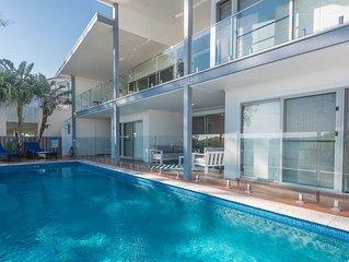 Hamptons Coastline Retreat- Waterfront with a Heated Pool FREE FAMILY ADVENTURE