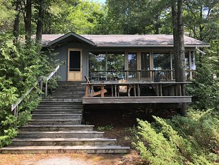 Fabulous Cottage on Muldrew Lake! 2 minutes from Muskoka Bay Golf Course!