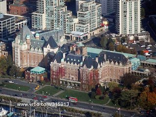 Victoria Vacation Rental Downtown Inner Harbour across Fairmont Empress Hotel