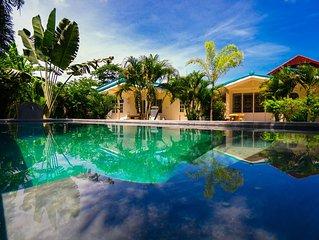 Designer private vacation villa in tropical garden & private pool 8x3m