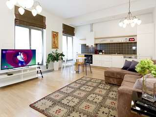 Luxury 1 Bedroom Apartment-Town Hall sq. (SL10)