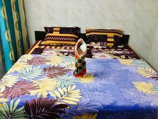 2-Bedroom Set Akshi * Sec18 Metro Noida